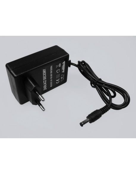 Zasilacz impulsowy wtyczkowy 18V/1,0A DC 2,1/5,5